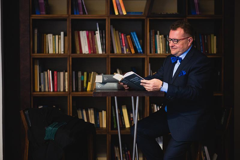 Sąd w Łodzi: 322 tys. zł za poślizgnięcie się na chodniku.